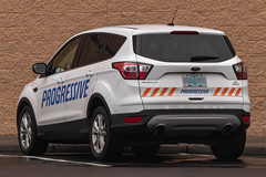 2017 Ford Escape (mlokren) Tags: 2020 car spotting photo photography photos pic picture pics pictures pacific northwest pnw pacnw oregon usa vehicle vehicles vehicular automobile automobiles automotive transportation outdoor outdoors motorcraft fomoco 2017 ford escape suv cuv crossover white progressive insurance
