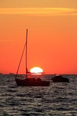 Yeu au levant (oletourn) Tags: 2019 reivilo canon été yeu vendée matin bateau mer soleil