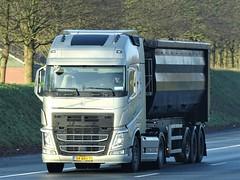 Volvo FH4 globetrotter from unknown Holland. (capelleaandenijssel) Tags: 54bbs7 truck trailer lorry camion lkw netherlands nl
