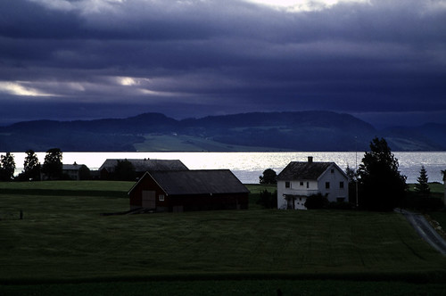 """Norwegen 1998 (499) Tautra • <a style=""""font-size:0.8em;"""" href=""""http://www.flickr.com/photos/69570948@N04/49402391588/"""" target=""""_blank"""">View on Flickr</a>"""