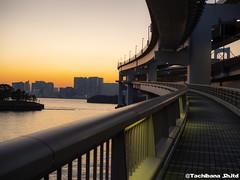 P1131072-HDR (et_dslr_photo) Tags: tokyo tokyosunset sunset rainbowbridge tokyobay tokyobayside