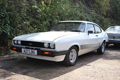 Ford Capri 2.0 S A27LDG (Andrew 2.8i) Tags: s 20 2000 2000s 20s mk3 mk 3 iii mark liftback hatchback hatch coupe sportscar sports ford capri show uk surrey weybridge track circuit brooklands 50th anniversary a27ldg