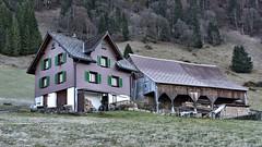 Oberhof / Wägital (Kanton Schwyz) (Bergwandern Alpen) Tags: wägital bauernhof farm ländlich bäuerlich country rural alpen alps stall barn bauernhaus
