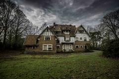 Adieu le beau temps (musette thierry) Tags: house maison urbex musette thierry d800 nikon villa architecture explorationurbaine urbain