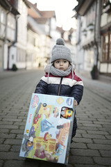 (agolwkyy17) Tags: boy kid kids bokeh dof funny sony fe 50mm 18 child