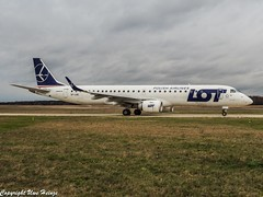 LOT Polish Airlines SP-LND OMD (U. Heinze) Tags: aircraft airlines airways airplane planespotting plane flugzeug haj hannoverlangenhagenairporthaj eddv olympus omd em1markii 12100mm