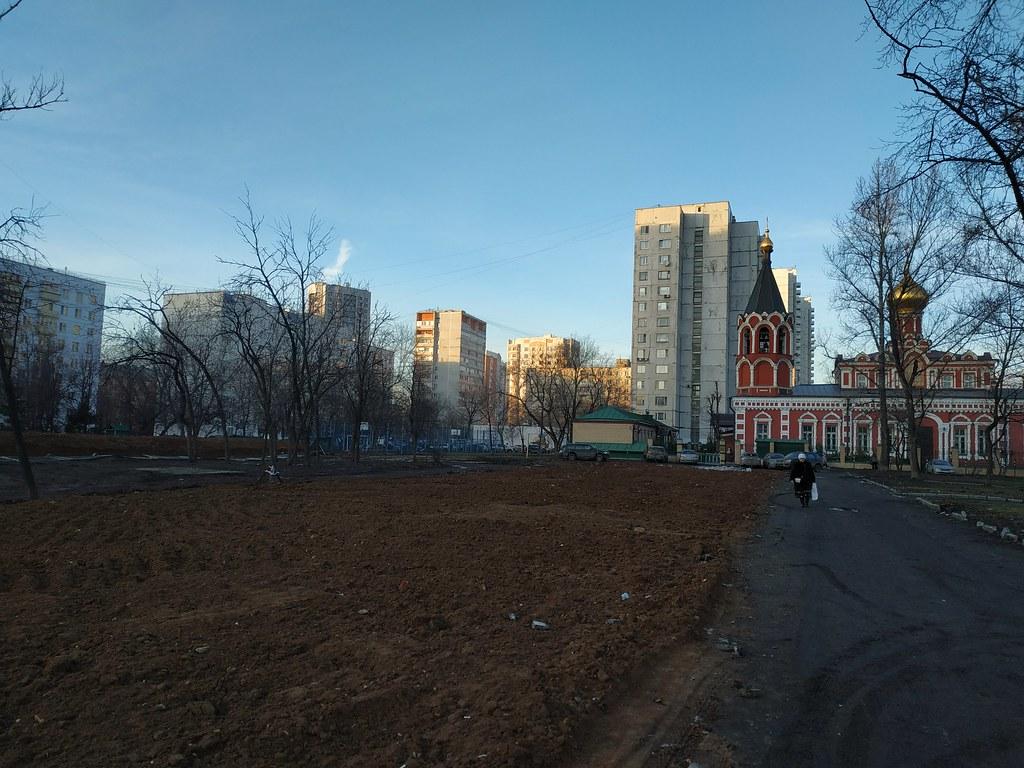 фото: Шереметьевская улица, место где снесли дом серии К-7 с магазином на первом этаже