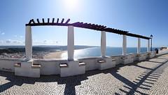 Point de vue du Sitio ... ️️👀 (Armelle85) Tags: extérieur nature paysage ville pointdevue sitio nazaré pavés mer océan portugal place panorama