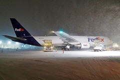Ramp blizzard ........ (GeorgeM757) Tags: n170fe 7673s2fer fedexexpress boeing weather winter aircraft aviation airport freighter georgem757 canons100 kcle clevelandhopkins snow