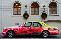 Vintage (Philippe Haumesser (+ 9000 000 view)) Tags: auto voiture car automobile couleurs colors vintage fenêtres windows mur wall lantyernes décorations bâle suisse switzerland schweitz swiss nikond7000 d7000 nikon reflex 2019 ville city