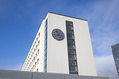 4° C (Tim Boric) Tags: bonn abgeordnetenhochhaus thermometer michaelsailstorfer