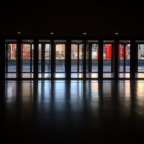 À @laseinemusicale, le rythme des fenêtres rappelle celui des touches d'un piano 🎹 #tw