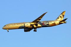 A6-BLC (JBoulin94) Tags: a6blc etihad airways boeing 7879 dreamliner special livery washington dulles international airport iad kiad usa virginia va john boulin