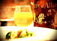 Pour surmonter les froids mordants (Jean-Pierre Bérubé) Tags: bière têtedallumette brasserie beer jpdu12 jeanpierrebérubé nikon d5300 repas meal
