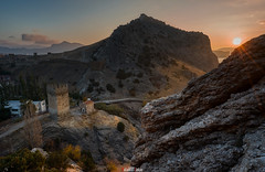 Fortress Mountain at sunrise (zaxarou77) Tags: fortress mountain sunrise crimea russia nature landscape sky sun tower color outdoor sony sonyclub a7 a7m2 a7mii carlzeiss cz carl zeiss 1635 ilce7m2 variotessar t fe mm f4 za oss sel1635z