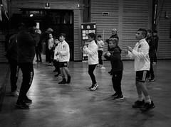 7738 - Warm up (Diego Rosato) Tags: warm up riscaldamento allenamento training insegnamento teaching maestro master little boxe piccolo pugile boxing pugilato boxelatina bianconero blackwhite fuji x30 rawtherapee