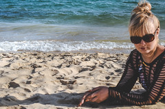 On the beach (DreamEstel) Tags: algarve altura portugal beach waves portrait naturallightphotography femme
