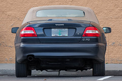 2004 Volvo C70 (mlokren) Tags: 2020 car spotting photo photography photos pic picture pics pictures pacific northwest pnw pacnw oregon usa vehicle vehicles vehicular automobile automobiles automotive transportation outdoor outdoors 2004 volvo c70 cabriolet convertible ragtop blue