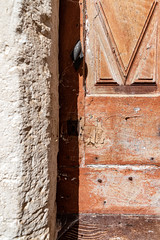 détails de porte 29 (Rudy Pilarski) Tags: nikon d750 architecture architectura abstract abstrait porte dor forme form color couleur colour composition ombre shadows geometry géométrie géométria géométrique urbain urban urbano texture textura minimalisme minimal minimalist minimalism