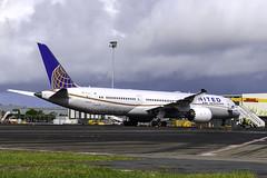N26960 B789 UNITED YBBN (Sierra Delta Aviation) Tags: united airlines boeing b789 brisbane airport ybbn n26960