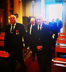 Avec le général Choux, président de la Légion d'Honneur, lors de la messe du Souvenir Français à l'église de Saint Jean-Baptiste le Vœu à Nice le 02 novembre 2019  #messe #messa #eglise #church #chiesa ⛪ #nizza #ilovenice ❤ #recueillement #sa (Le Souvenir Français 06) Tags: recueillement messe saintjeanbaptiste saint legiondhonneur messa eglise church partageonslamemoire sangiovannibattista chiesa nizza santo ilovenice capturethemoment photography