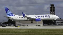 N37267_FLL_Landing_10R_N_C (MAB757200) Tags: unitedairlines b737824 n37267 connectingpeopleunitingtheworld aircraft airplane airlines airport jetliner boeing fll kfll fortlauderdalehollywoodinternationalairport landing runway10r