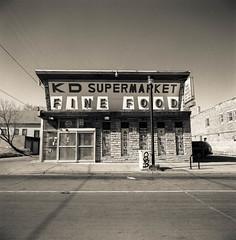 kd super fine (edorbs) Tags: milwaukee film supermarket cornerstore 40mm