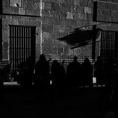 Women in harmony. (amateobandido) Tags: ricohgr ricohgrii ricoh pentax 18mm 18mmlens 27mm monochrome bw blackandwhite mexico sanluispotosí zócalo streetphotography urbanphotography shadows silhouettes blackwhite noiretblanc street streetphoto gr2 grii apsc grist grsnap grmexico