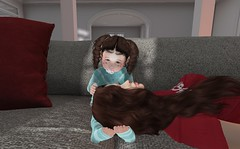 Comforting Mommy (Elsa Rayne) Tags: bebe toddleedoo td toddler mommy cmc color me cute event pose sintiklia viva kids vk blueberry maitreya