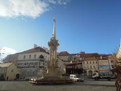 2016-11-10_14-38-51_Nikon_JH (Juhele_CZ) Tags: mikulov moravia czechrepublic houses architecture historical hill nature monument statue water square town