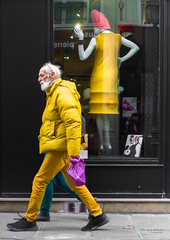 Street - Yellow synchronicity (François Escriva) Tags: streetphotography street paris france fun funny candid mannequin man pants coat yellow purple pink walk store shopping front view window light white beard