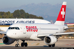 Swiss Airbus A319-112 cn 727 HB-IPT (Clément Alloing - CAphotography) Tags: swiss airbus a319112 cn 727 hbipt barcelona airport barcelone lebl bcn canon 100400 spotting aeropuerto airplane aircraft 25r 07l balcon t1 flight airways aeroplane engine sky ground take off landing 5d mark iv