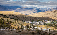 Village of Mammoth hot spring, Yellowstone. (jack-sooksan) Tags: village city town mammoth mammothhotspring yellowstone yellowstonenationalpark wyoming usa america mount mountain hill valley landscape unitedstates
