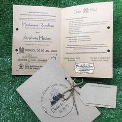 Wedding Invitation Deden & Maul Tanya-tanya, atau info lebih lanjut hubungi : ☎ WA : 08561410064 Line : nikahgeh Desain bisa cek di 👉 http://bit.ly/2rnZvXk #nikahgeh #weddingserang #undanganserang #infoserang #undanganminimalis #guestbook #buk (NikahGeh) Tags: instagram nikahgeh invitation