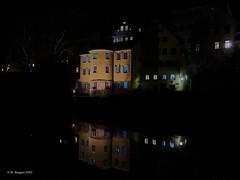 Hölderlinturm, Tübingen (markbangert) Tags: neckar neckarbrücke bridge tübingen river altstadt historisch nachts licht spiegelung reflections lights lichter nikon d850 fx hölderin hölderlinturm