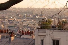 129 Paris Janvier 2020 - les toits de Paris depuis la Butte Montmartre, le Louvre, l'église Saint-Germain des Près, l'église Saint-Sulpice (paspog) Tags: paris france montmartre butte buttemontmartre toits roofs dächer janvier januar january 2020 louvre églisesaintgermaindesprès églisesaintsulpice