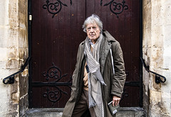 Tom Stoppard (Bryan Appleyard) Tags: tom stoppard london coat scarf book d850 colour nikon church doors