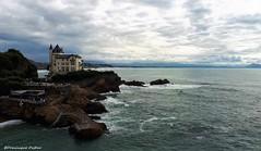 Biarritz (Dominique Dufour) Tags: biarritz océanatlantique tintin mer ciel cielnuageux dominiquedufourphoto nikond300s