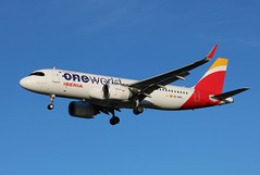 EC-NFZ Airbus A320-251N Iberia One World livery (R.K.C. Photography) Tags: ecnfz airbus a320251n a320 a320neo neo iberia spanish sharklets aviation aviationphotography airliner aircraft london england unitedkingdom uk londonheathrowairport myrtleavenue hattoncross lhr egll canoneos750d