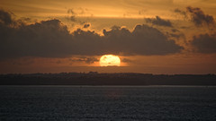 Sunset over the Isle of Wight / Coucher de soleil sur l'île de Wight (GEMLAFOTO) Tags: isleofwight sunset coucherdesoleil thesolentstrait ledétroitdesolent détroitdesolent england angleterre michelgauthier nikond7100