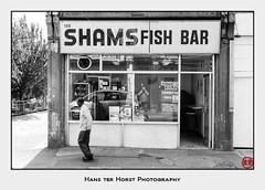 SHAMS Fish Bar, Acton (Hans ter Horst Photography) Tags: 2009 cityscape england london uk years hansterhorst hoshisato believeinfilm ishootfilm filmphotography pentaxmz3 ロンドン