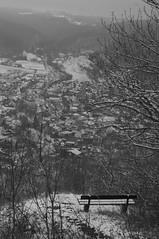 Aussicht (shortscale) Tags: schnee schwarzweiss blackandwhite noiretblanc monochrome buw pentax kx smcpentaxm11750mm rufsteinfels bank schwäbischealb gruibingen rufstein