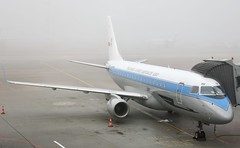 LOT Polish Airlines EMB-175 SP-LIM in Retro c/s sitting in the fog at WAW/EPWA (Jaws300) Tags: polskielinielotniczelot polskielinielotnicze freezingfog freezingweather foggyweather lvo lowvis lowvisibility weather foggy fog retro retropaintjob retropaintscheme retrocs specialcs specialpaintjob specialpaintscheme specialcolors specialcolours paintjob paintscheme cs colors colours special jetbridge jetway terminal gate remoteapron remotestand remote stand apron ramp airways airlines airline polish polishairlines polska poland lotpolishairlines splim esacj crj900 bombardier bombardiercrj900 revel est ee lot lo eos eu pl epwa waw erj crj regionaljet bombardierregionaljet embraerregionaljet chopinairport warsawchopinairport erj170 erj175 embraer embraererj175