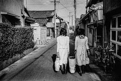 memories (2277)C630 (soyokazeojisan) Tags: japan hyogo city street people bw blackandwhite monochrome analog konica konicac35 38mm film trix kodak memories 1970s