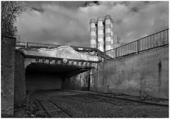 """Außer Betrieb, gereinigt"" ... (LeonardoDaQuirm) Tags: duisburg duisburghamborn duisburgbruckhausen bruckhausen duisburgmarxloh marxloh matenatunnel thyssenkrupp thyssen tunnel industry industrie"