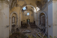 (Kollaps3n) Tags: italy nikon church chiesa decay abandoned urbex urbanexploration abbandono abandonedplaces