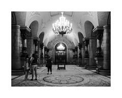 Parlament de Catalunya III (BLANCA GOMEZ) Tags: spain bcn barcelona bw blackwhite light shadows textures patterns parlamentdecatalunya parlamentodecataluña palaciodelparlamentodecataluña jorgeprósperodeverboom arquitectura arquitectos architecture chandelier carpets salóndepasosperdidos hallofloststeps