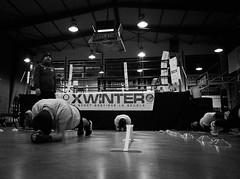 7912 - Plan (Diego Rosato) Tags: boxe boxing pugilato boxelatina allenamento training maestro master xwinter bianconero blackwhite little boxer piccolo pugile ring plank esercizio addominale exercize abdominal