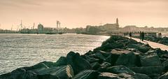 waterfront (Renate R) Tags: warnemünde mole hafen strand balticsea seekanal alterstrom harbor