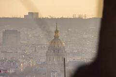 135 Paris Janvier 2020 - les toits de Paris depuis la Butte Montmartre, le dôme des INvalides (paspog) Tags: paris france montmartre butte buttemontmartre janvier januar january 2020 invalides